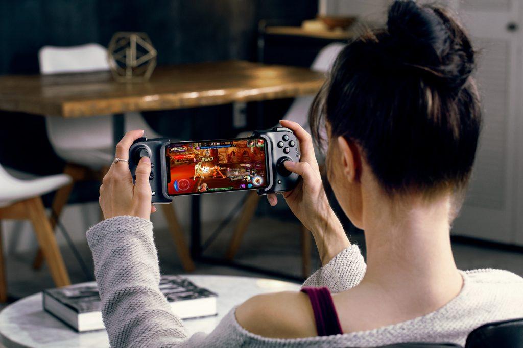 iPhone 专属游戏手柄——  Razer Kishi for iPhone,游戏操控低延迟,可边充边玩,售价 RM469 4